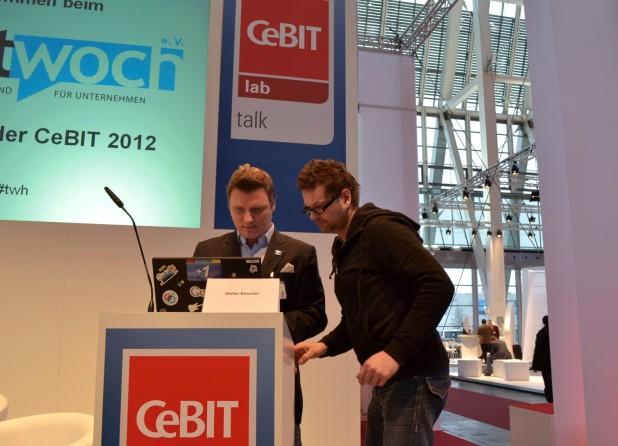 Stefan Keuchel, Presseprecher von Google Deutschland, als Speaker auf dem Twittwoch 2012.