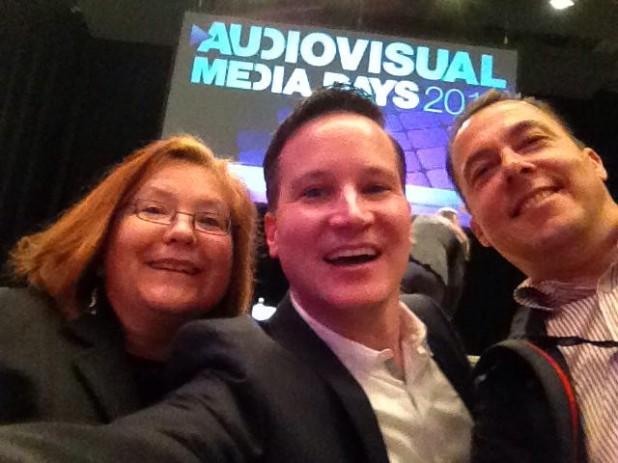 Die Drei auf den  Audivisual Media Days 2014 in München: Selfie  mit  Richard Gutjahr, Hannes Schleeh und Pia Kleine Wieskamp.